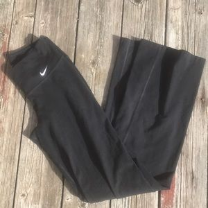 Nike flare leggings